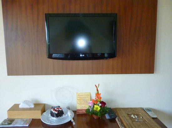 Biyukukung Suites and Spa: Television