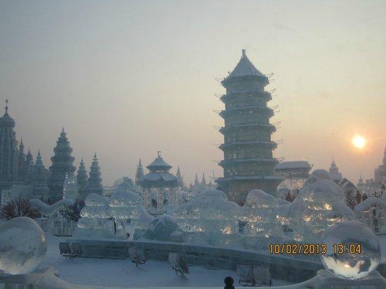 Harbin Ice and Snow World:                   Hier wohnt die Eiskönigin