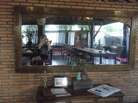 Pavillon Indochine Hotel: La salle du restaurant de l'hôtel lors du petit déjeuner