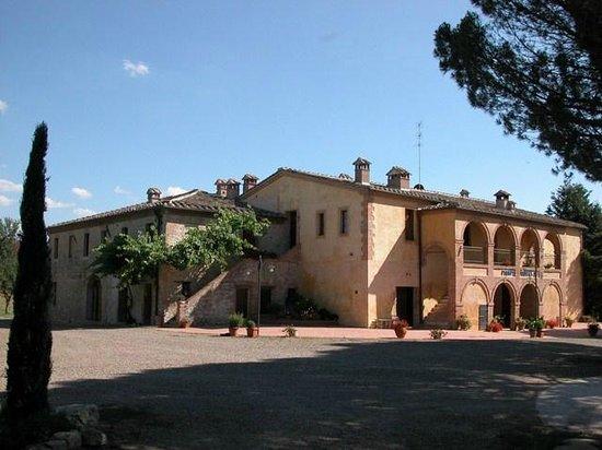 Agriturismo Piampetrucci: L'ingresso a Piampetrucci