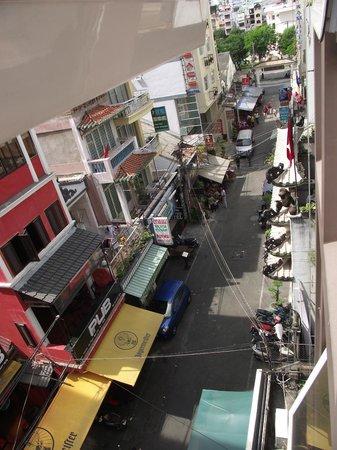 Saigon Sports 3 Hotel:                   busy little street