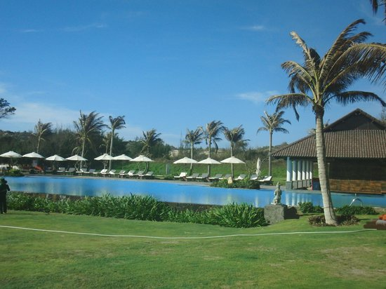 Muine Bay Resort: Poolarea