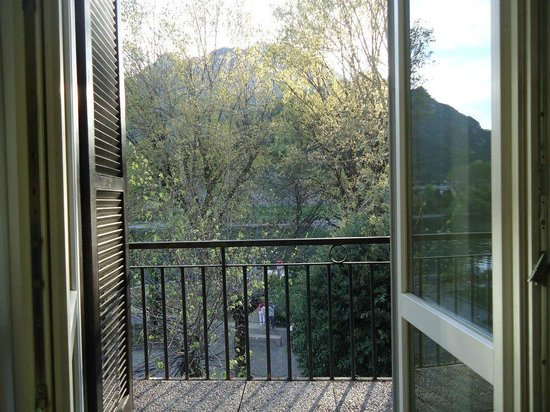 Hotel Don Abbondio: Double room--lake view
