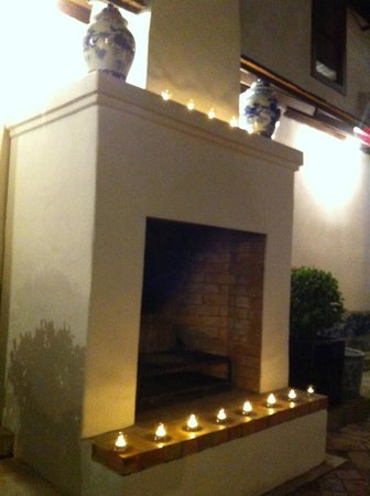 Rachamankha:                   open fireplace in the restaurant courtyard