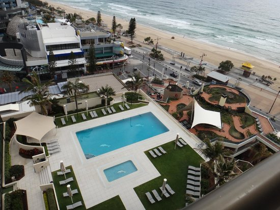 بارادايز سنتر أبارتمنتس:                   great pleasure waking up to the beach                 