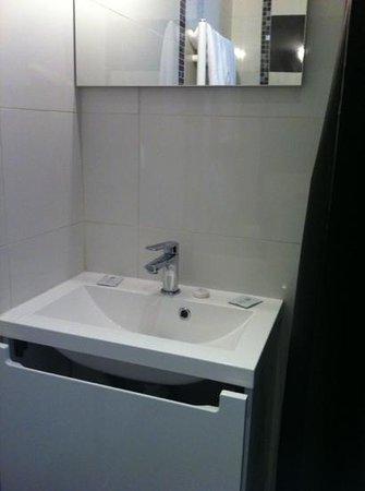 Le Medoc de Maxou: salle de douche