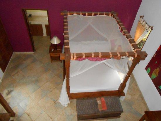 Apa Kabar Villas:                   lovely bed