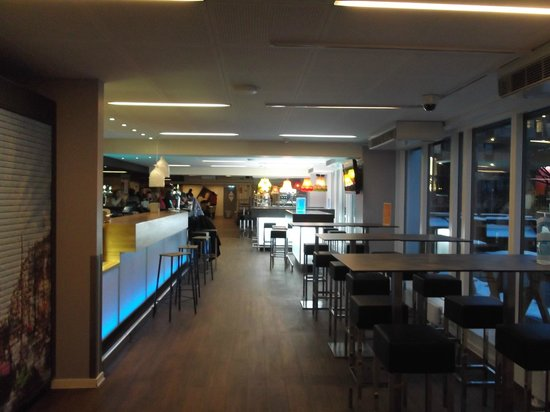 Generator Hostel Copenhagen:                   Bar