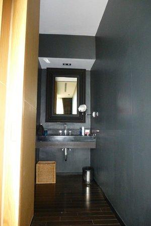 Ramada Khao Lak Resort:                   Eines von zwei Waschbecken