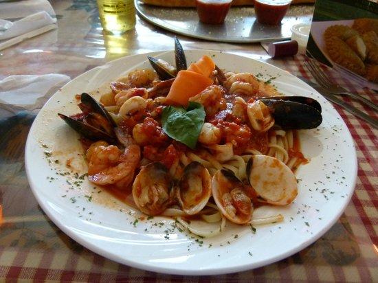 Proccolino's Pizzeria:                   Zuppa Del Pescatore (Seafood pasta)