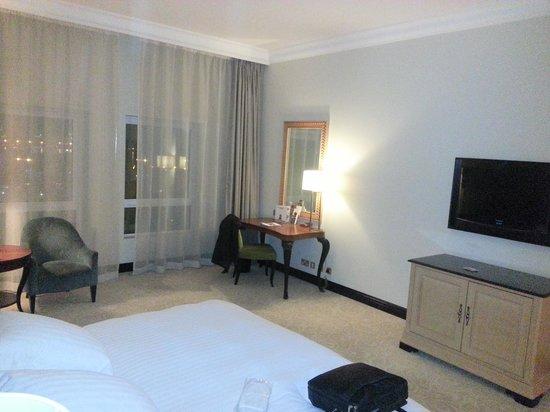 Movenpick Hotel Doha: chambre