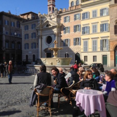 هوتل بوميزيا: Piazza Farnese