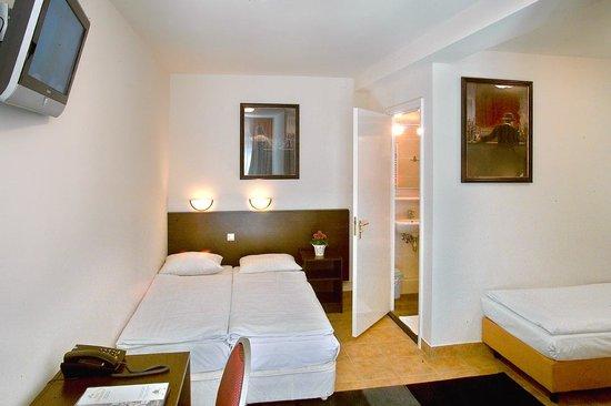 Hotel Alexander: Quad room