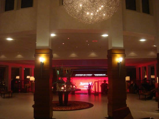 Cologne Marriott Hotel :                   Lobby