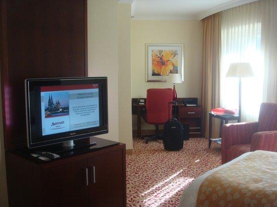 Cologne Marriott Hotel:                   Chambre classique