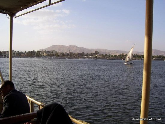 ‪فندق مارا:                   View from Luxor Public Ferry