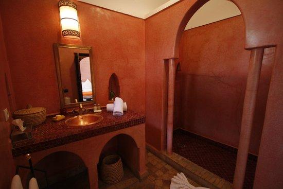 Riad Anya: salle de bain chambre Darafa