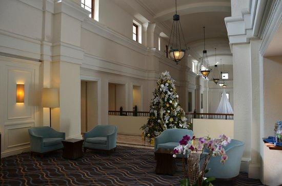 Hotel Colonnade Coral Gables, a Tribute Portfolio Hotel:                   Entrada