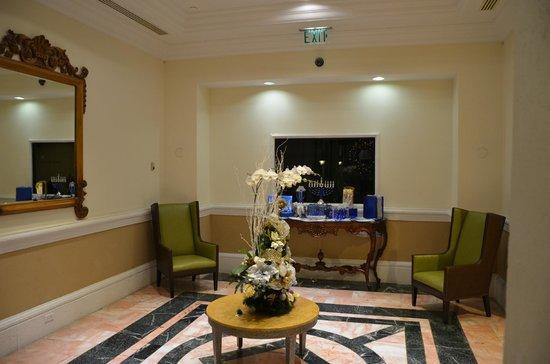 Hotel Colonnade Coral Gables, a Tribute Portfolio Hotel:                   Hall