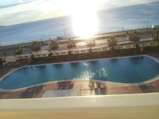 Crowne Plaza Hotel Antalya:                   3. kat oda manzarazı