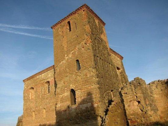 Castillo de Montearagón:                   古城外観