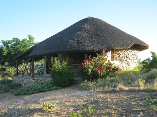 Carmens Guest House and Ostrich Farm: Rondavel