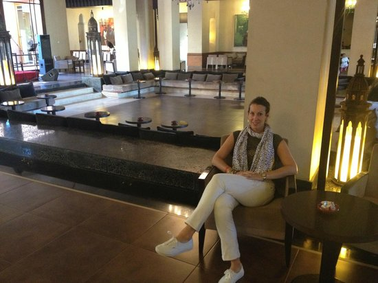 Hotel Riu Tikida Palmeraie: waiting for her presents in lobby
