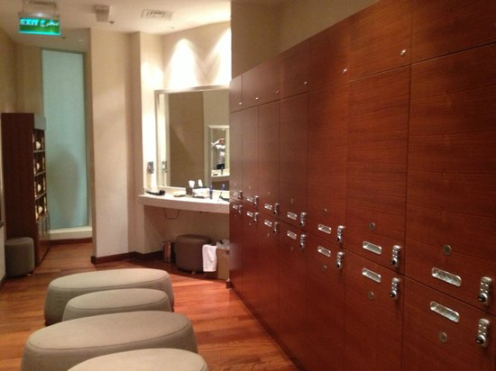Hilton Doha:                   Men's Change-room Lockers and Mirror