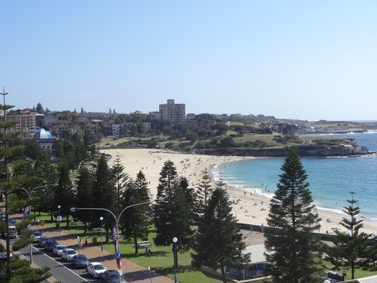 Crowne Plaza Hotel Coogee Beach - Sydney: View from room over Coogee Beach