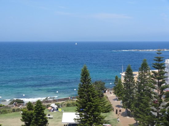 Crowne Plaza Hotel Coogee Beach - Sydney: View from corner room