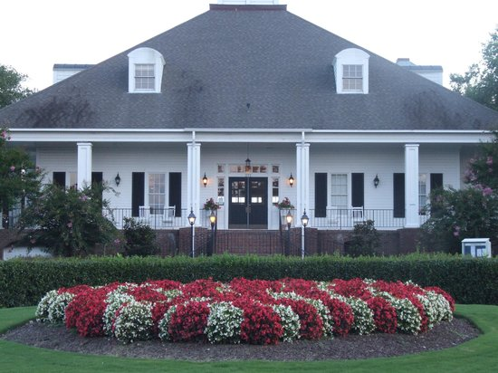 Sound Golf Links at Albemarle Plantation: Our warm and friendly clubhouse