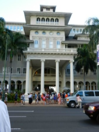 Moana Surfrider, A Westin Resort & Spa:                   2