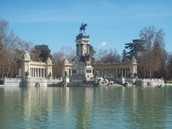 Hostal Pizarro:                   Stunning park