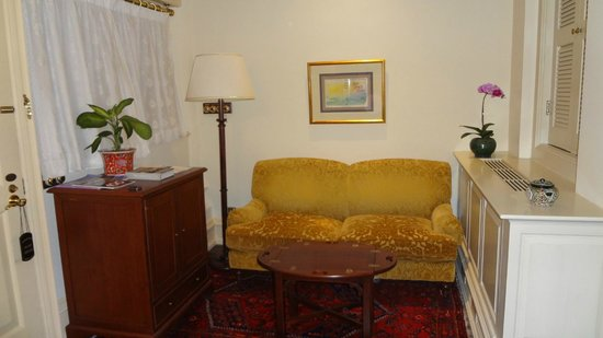 Raffles Hotel Singapore: Seating area in Gavin Young Suite (No.223)