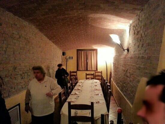 San Benedetto Po, Italy:                   la saletta riservata