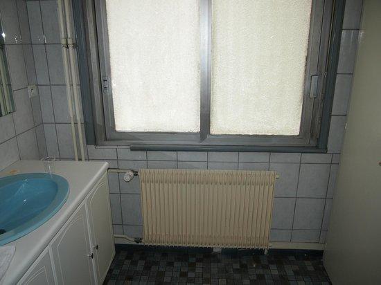 Hotel Colbert:                   Salle de bain