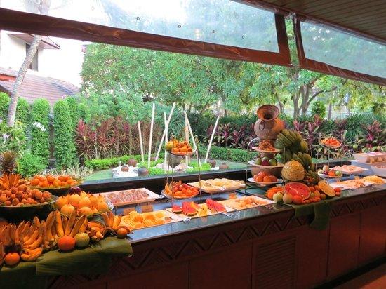 Katathani Phuket Beach Resort:                   Frukost