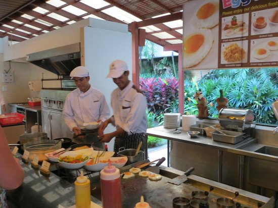 Katathani Phuket Beach Resort:                   Omelett