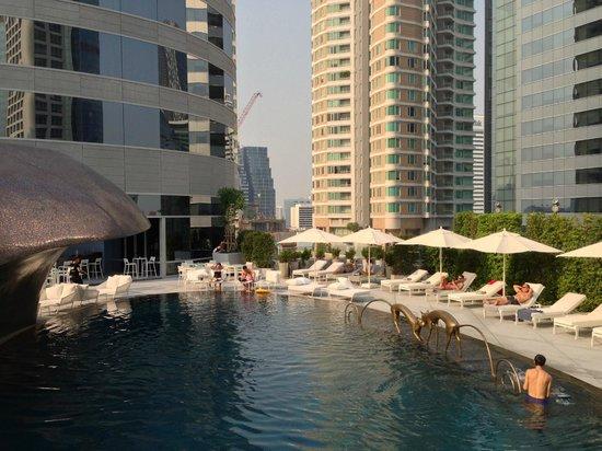 W Bangkok : Piscine