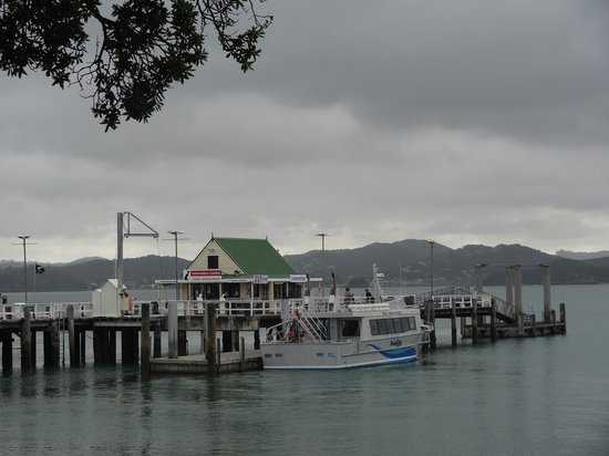 Duke of Marlborough: View from the restaurant deck to the water taxi terminal