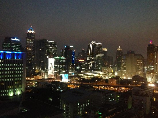 Zenith Sukhumvit Hotel Bangkok:                   View from the pool area