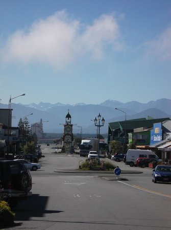 Mountain Jade Backpackers:                                     The town clock