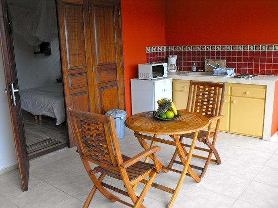 Le Cap Malo: cuisine sur la terrasse