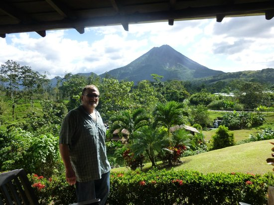 Arenal Manoa Hotel:                   Arenal volcano from our room's patio