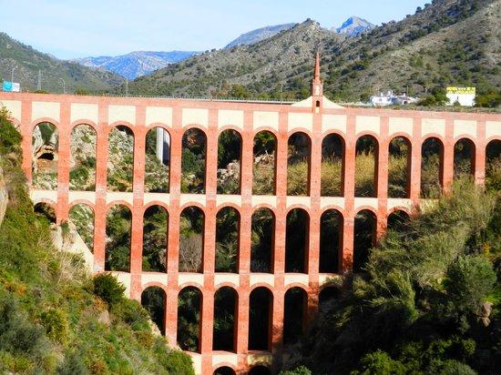 Nerja Club: Aqueduct