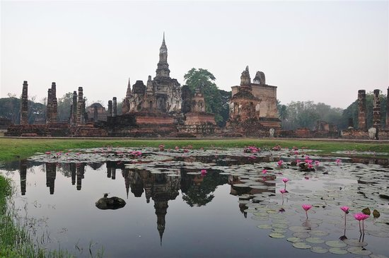 Sukhothai, Thailand: View at Wat Mahamat