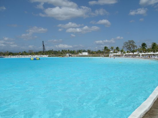 Hotel Playa Blanca Beach Resort:                   Big pool