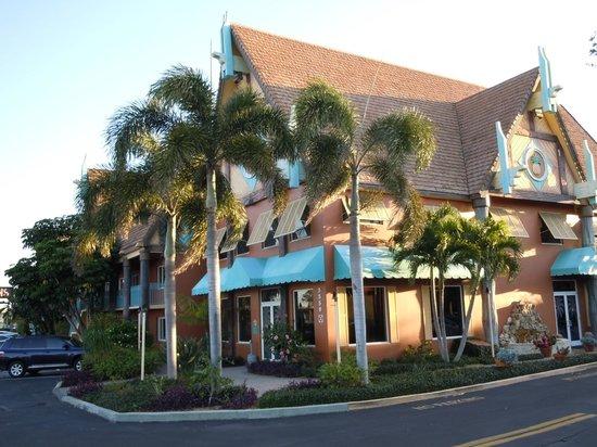 Wakulla Suites:                   Hotel