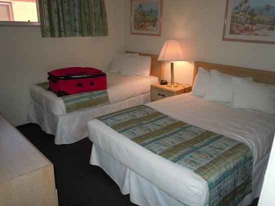 Wakulla Suites:                   2nd Bedroom