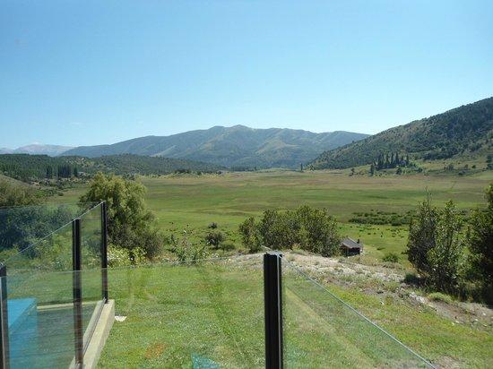 Peñón del Lolog Apart:                                     vista panoramica desde la pileta